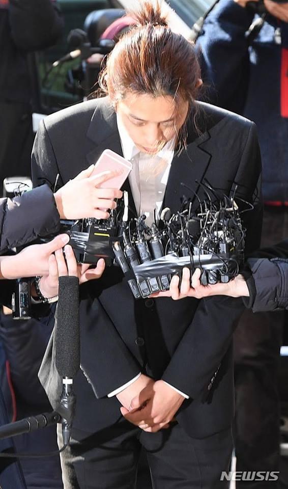 Jung Joon Young cúi đầu xin lỗi, tiết lộ hơn 200.000 tin nhắn bí mật liên quan đến sex lưu trữ trong điện thoại-9