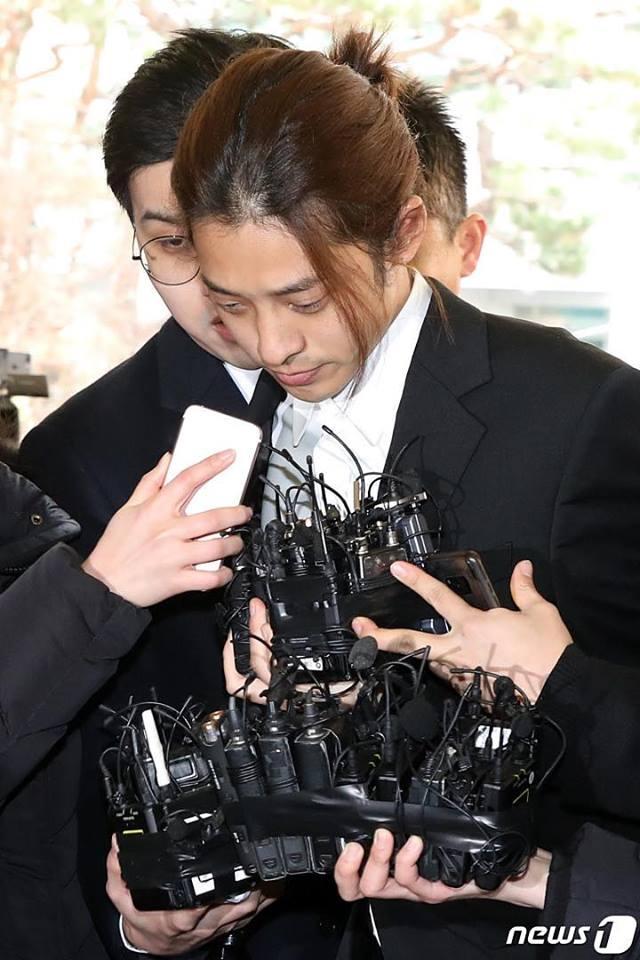 Jung Joon Young cúi đầu xin lỗi, tiết lộ hơn 200.000 tin nhắn bí mật liên quan đến sex lưu trữ trong điện thoại-10