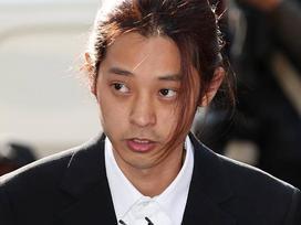 Jung Joon Young cúi đầu xin lỗi, tiết lộ hơn 200.000 tin nhắn bí mật liên quan đến sex lưu trữ trong điện thoại