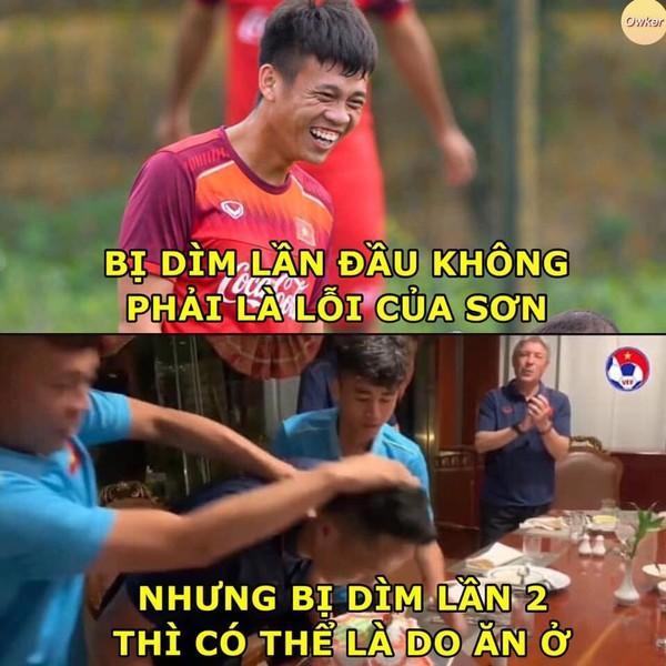 Ảnh chế cực 'lầy lội' của các chàng tuyển thủ Việt theo triết lý tình yêu của Miss Hương Giang khiến dân mạng cười nghiêng ngả-2