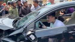CLIP SỐC: Gây tai nạn liên hoàn, thanh niên xăm trổ vẫn lắc lư theo nhạc khi ngồi trong ô tô đầu nát bét