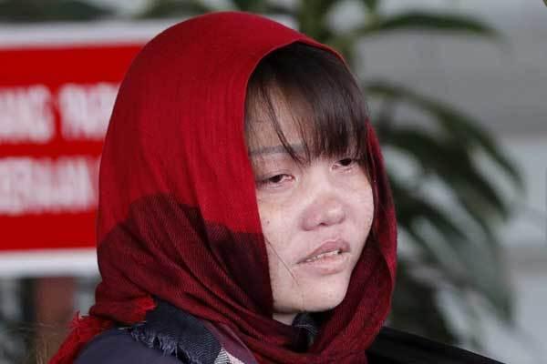 Đoàn Thị Hương hốc hác, mắt thâm quầng tới tòa án-1