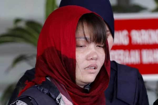 Đoàn Thị Hương hốc hác, mắt thâm quầng tới tòa án-6