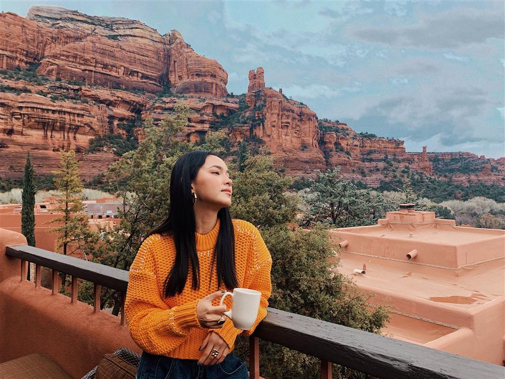 Châu Bùi trở thành gương mặt Việt duy nhất tham dự show ra mắt BST xuân hè của H&M mà fan cứ ngỡ cô làm travel blogger-12