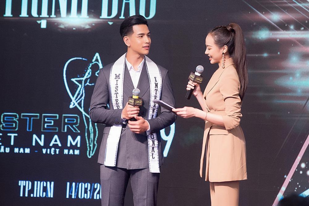 Ông trùm Phúc Nguyễn nói về đương kim Hoa hậu Trái Đất 2018: Phương Khánh chỉ là người có danh hiệu hợp lệ trên thế giới mà thôi-1