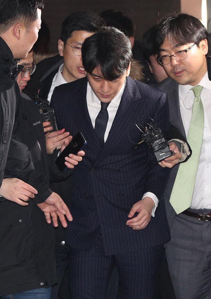 VIDEO ĐÁNG SỢ: Big Bang đã tiên đoán scandal khủng khiếp của Seungri từ 2 năm trước-3