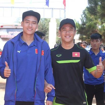 Chàng hậu vệ tranh vị trí em út điển trai của Văn Hậu tại U23-6