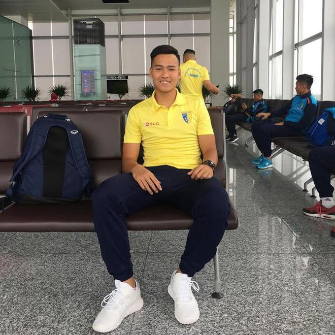 Chàng hậu vệ tranh vị trí em út điển trai của Văn Hậu tại U23-7