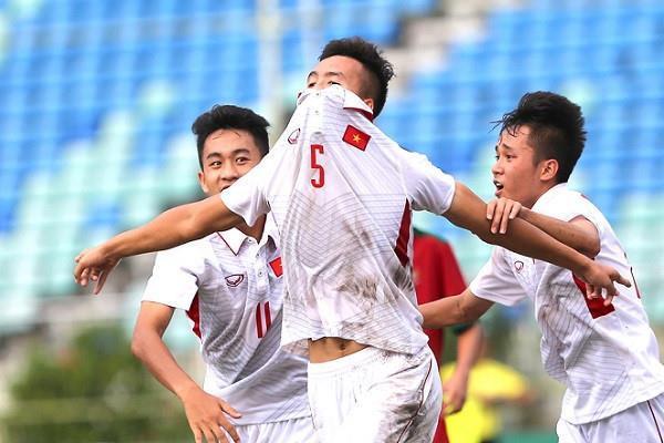 Chàng hậu vệ tranh vị trí em út điển trai của Văn Hậu tại U23-8
