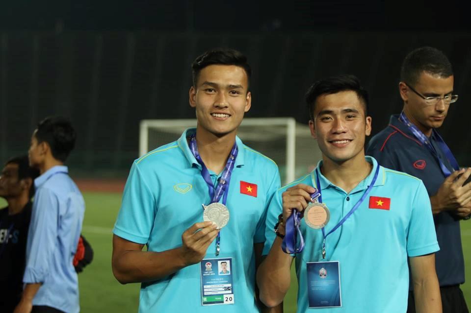 Chàng hậu vệ tranh vị trí em út điển trai của Văn Hậu tại U23-11