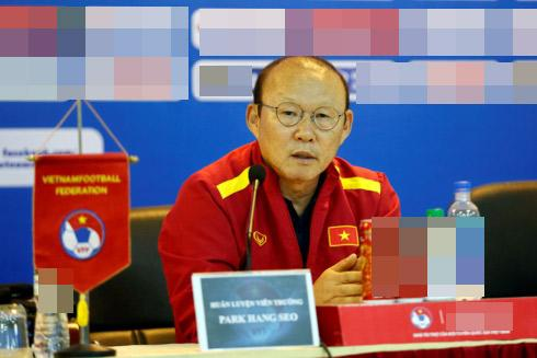 Thị phi thì mặc thị phi, bạn gái Quang Hải vẫn khiến nhiều người trầm trồ vì có ảnh độc chụp bên dàn trai đẹp-4