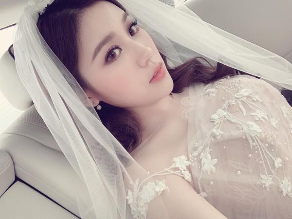 Rich kid Trinh Hoàng xinh như công chúa trong lễ ăn hỏi sang chảnh với chồng doanh nhân tại Hà Nội-4
