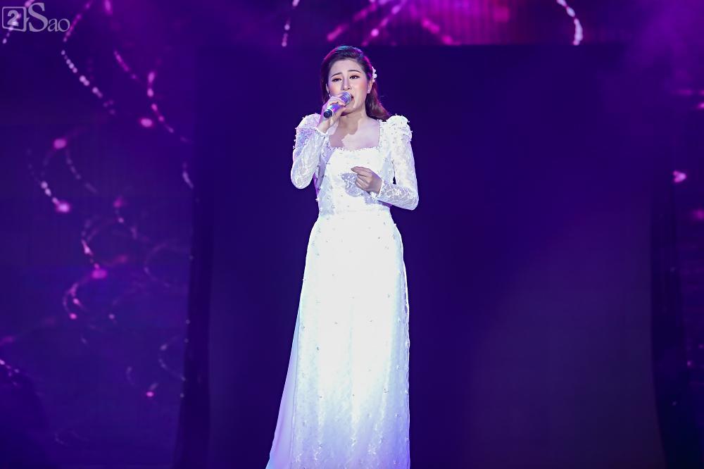 Nhóm nhạc đa quốc tịch có thành viên Việt Nam không lép vế khi đứng cùng sân khấu với loạt tên tuổi lớn-13