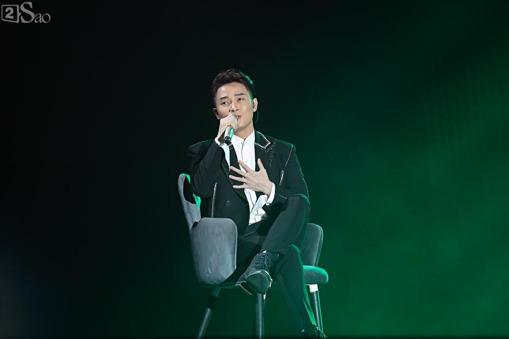 Nhóm nhạc đa quốc tịch có thành viên Việt Nam không lép vế khi đứng cùng sân khấu với loạt tên tuổi lớn-14