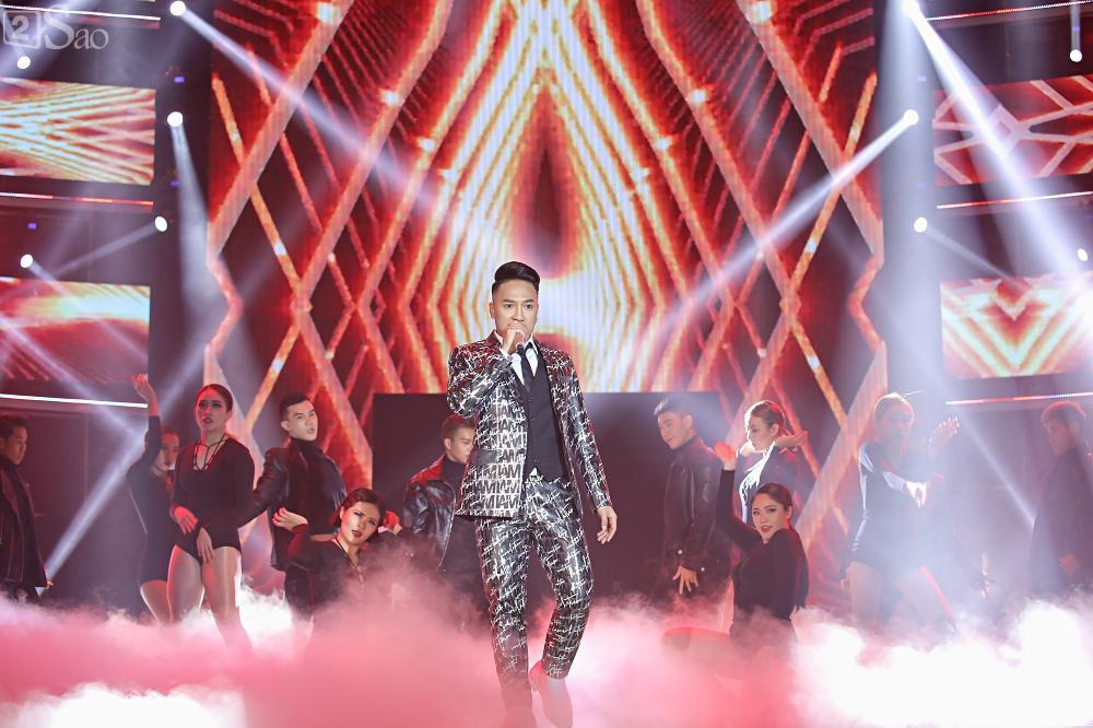 Nhóm nhạc đa quốc tịch có thành viên Việt Nam không lép vế khi đứng cùng sân khấu với loạt tên tuổi lớn-16
