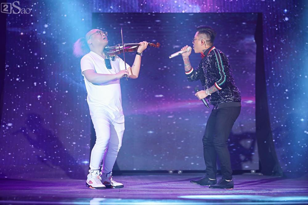 Nhóm nhạc đa quốc tịch có thành viên Việt Nam không lép vế khi đứng cùng sân khấu với loạt tên tuổi lớn-22