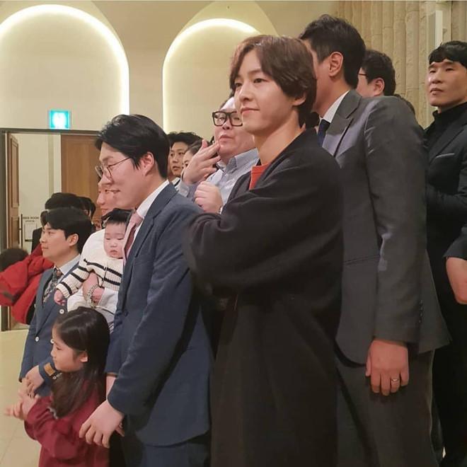 Song Joong Ki dự đám cưới bạn thân mà không có Song Hye Kyo-2