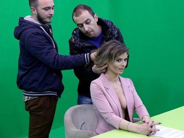 MC truyền hình từ mặc gợi cảm đến gần như nude để tôn trọng tin tức, sự thật-6