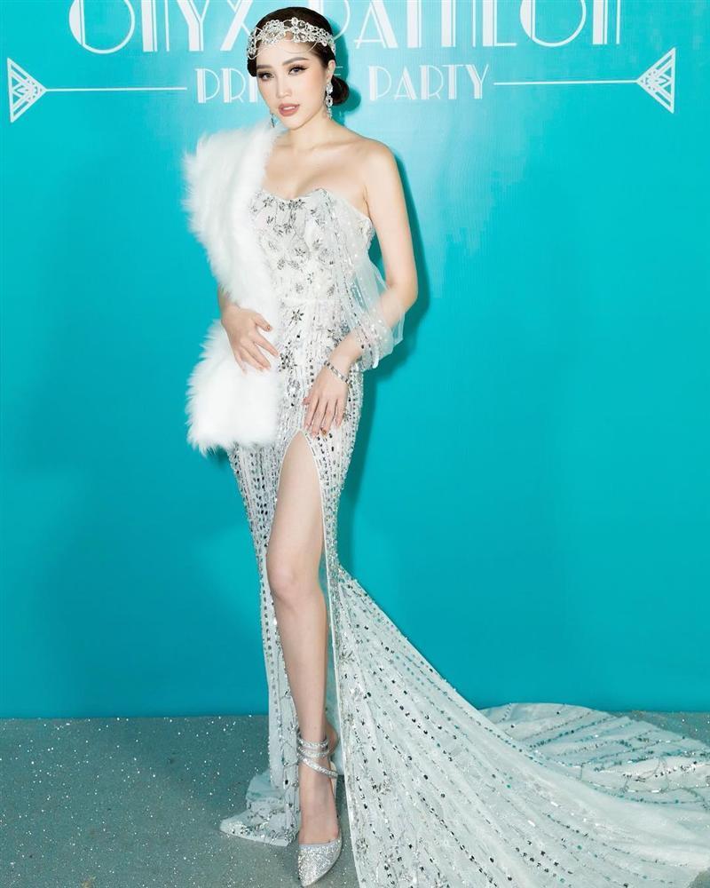 Hồ Ngọc Hà chỉ cần một chiếc váy nude đã đủ áp đảo cả một dàn hoa hậu trên bảng xếp hạng SAO ĐẸP-3
