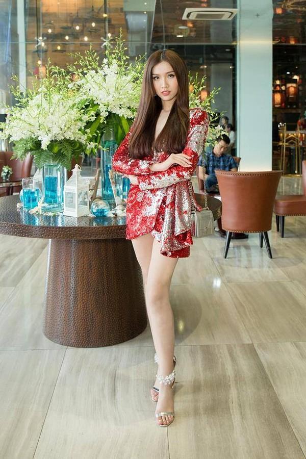 Hồ Ngọc Hà chỉ cần một chiếc váy nude đã đủ áp đảo cả một dàn hoa hậu trên bảng xếp hạng SAO ĐẸP-5