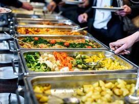 7 'chiêu' trong nhà hàng buffet mà mọi nhân viên đều cố giấu nhẹm đi, khách mà biết là 'lỗ nặng'