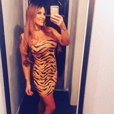 Thảm họa mua hàng online: crop top da báo cut-out sexy trên người mẫu thành trang phục lộ thiên hết vòng 1-5