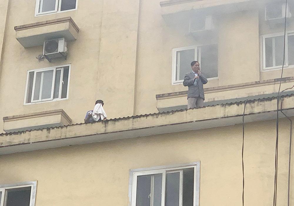 Cháy quán karaoke lớn nhất TP Vinh, nữ nhân viên chết ở nhà vệ sinh-2