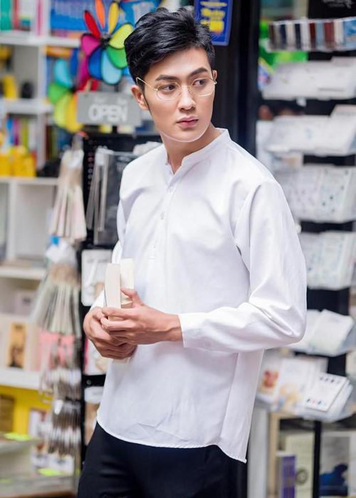 Nam phụ phim Trạng Quỳnh xin lỗi vì ủng hộ scandal của Seungri, cộng đồng mạng mỉa mai: Thánh lật bánh tráng là đây-1