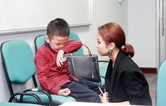 Những yêu thương nguệch ngoạc gửi mẹ đơn thân của nhóc tì nhà Vân Hugo - MC Thảo Vân khiến ai đọc xong cũng nghẹn đắng-3