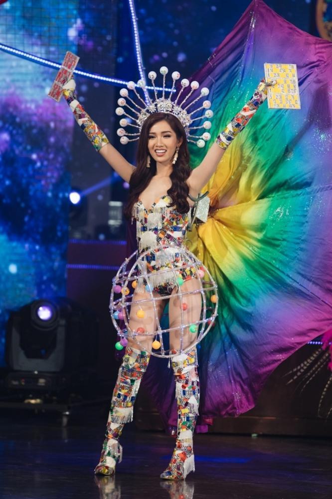 3 Hoa hậu Chuyển giới được công nhận ở Việt Nam: Chưa nhan sắc nào là đối thủ xứng tầm của Hương Giang-20