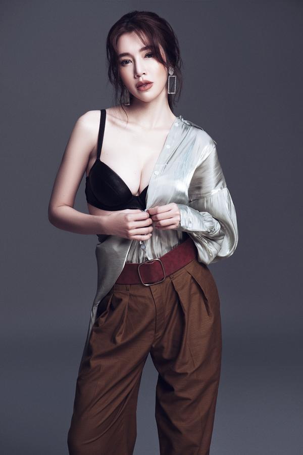 Elly Trần eo 56 cm dù đã là gái hai con-9
