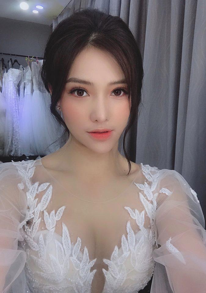 Lưu Đê Ly thả thính cuối năm lấy chồng nhưng antifan chỉ tập trung vào chiếc cằm lệch sang 1 bên như quả xoài-1