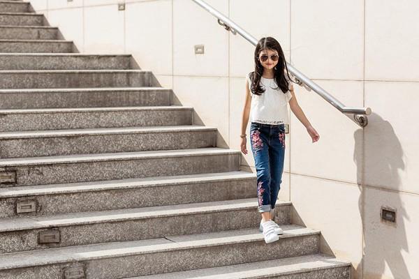 Không chỉ xinh xắn, con gái 11 tuổi của Trương Ngọc Ánh còn gây bất ngờ với khả năng nói tiếng Anh như gió-4
