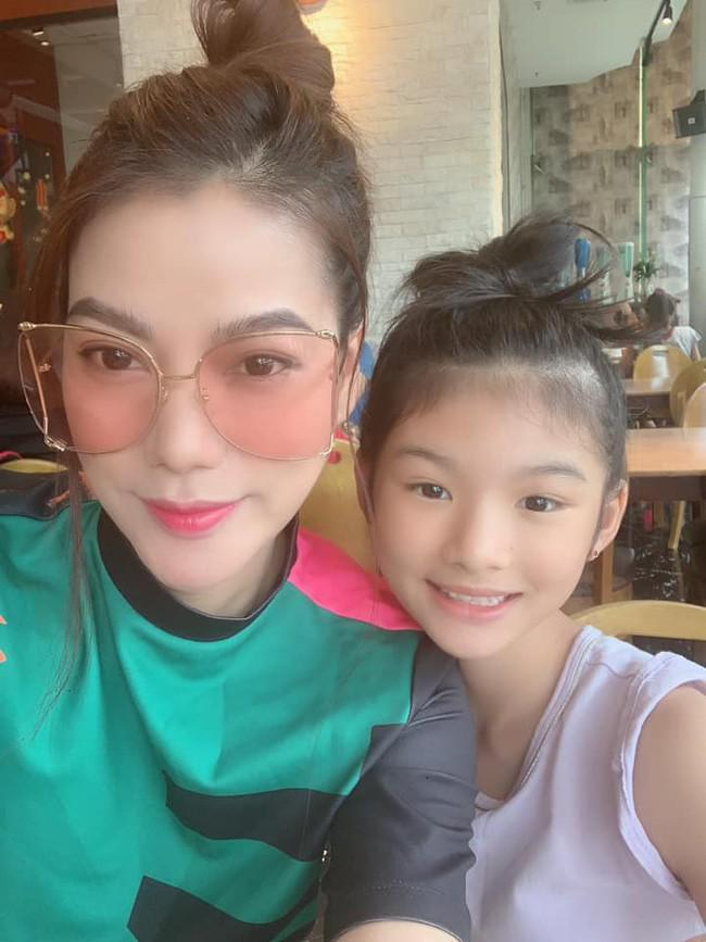 Không chỉ xinh xắn, con gái 11 tuổi của Trương Ngọc Ánh còn gây bất ngờ với khả năng nói tiếng Anh như gió-3