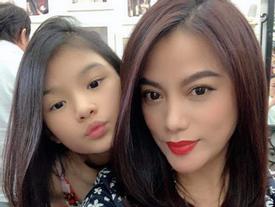 Không chỉ xinh xắn, con gái 11 tuổi của Trương Ngọc Ánh còn gây bất ngờ với khả năng nói tiếng Anh như gió