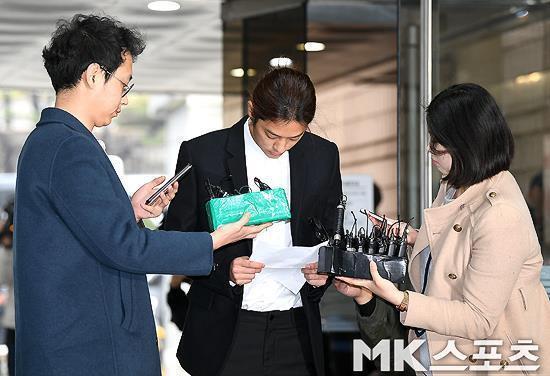 Jung Joon Young bị bắt giam vì quay lén và phát tán video sex-2