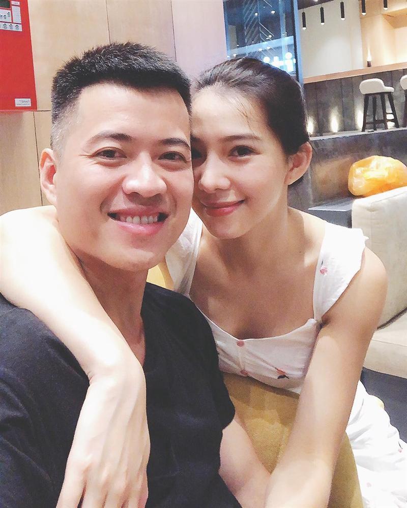 Bị chỉ trích là con giáp thứ 13, sống chung không đăng ký kết hôn, Lưu Đê Li đăng ảnh mặc váy cưới tuyên bố sắp lấy Huy DX?-1