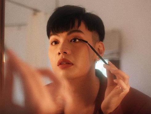 Đào Bá Lộc muốn chia tay bạn trai mỗi khi nhờ chụp hình