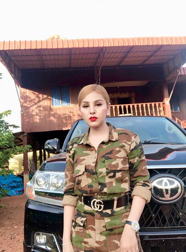 Diễn viên Campuchia đổi đời thành đại gia sau 2 năm bị cấm diễn vì mặc hở-5