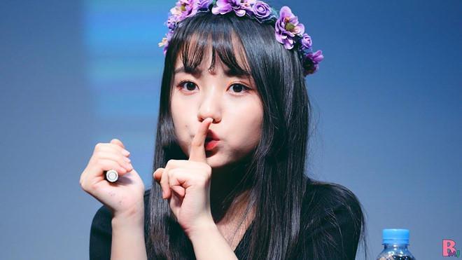 Nhan sắc xinh đẹp của nữ thần tượng 15 tuổi, nhỏ nhất Kpop hiện nay-6