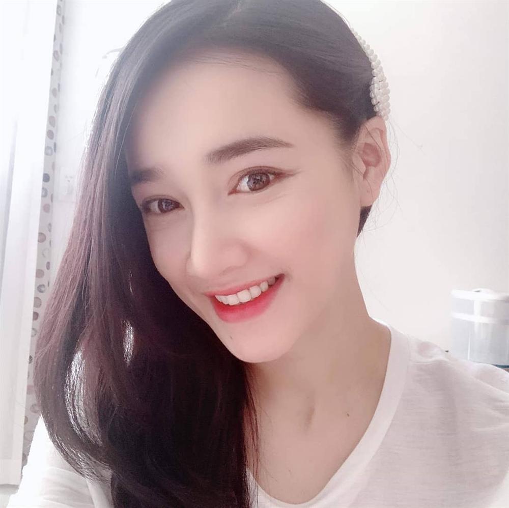Nhã Phương lộ mắt nhăn nheo sau sinh - Hương Giang mặt quắt queo thiếu thần thái đến make up cũng không cứu nổi-7
