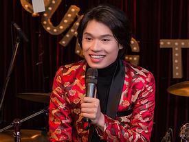 Có ai ngờ diễn viên hài Quang Trung lại sở hữu giọng hát ngọt chẳng kém cạnh ca sĩ chuyên nghiệp