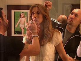 Khả năng thay đồ nhanh đến nghẹt thở của Celine Dion ở hậu trường