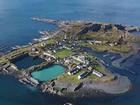 Bạn có muốn dành cả thanh xuân sống trên hòn đảo này để nhận lương lên tới 4 tỷ/năm?
