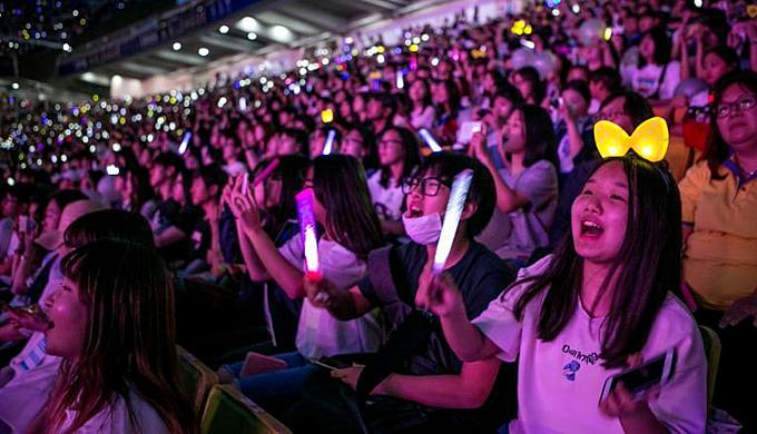 Hệ lụy lệch lạc tình dục của nền giải trí Hàn Quốc-4