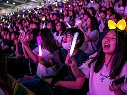Hệ lụy lệch lạc tình dục của nền giải trí Hàn Quốc