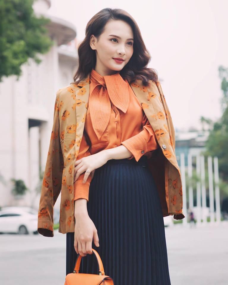 Hoa hậu Phạm Hương khoe khoảnh khắc tắm bồn sexy đến nghẹt thở-3