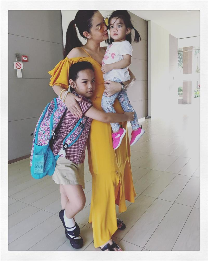 Hoa hậu Phạm Hương khoe khoảnh khắc tắm bồn sexy đến nghẹt thở-8