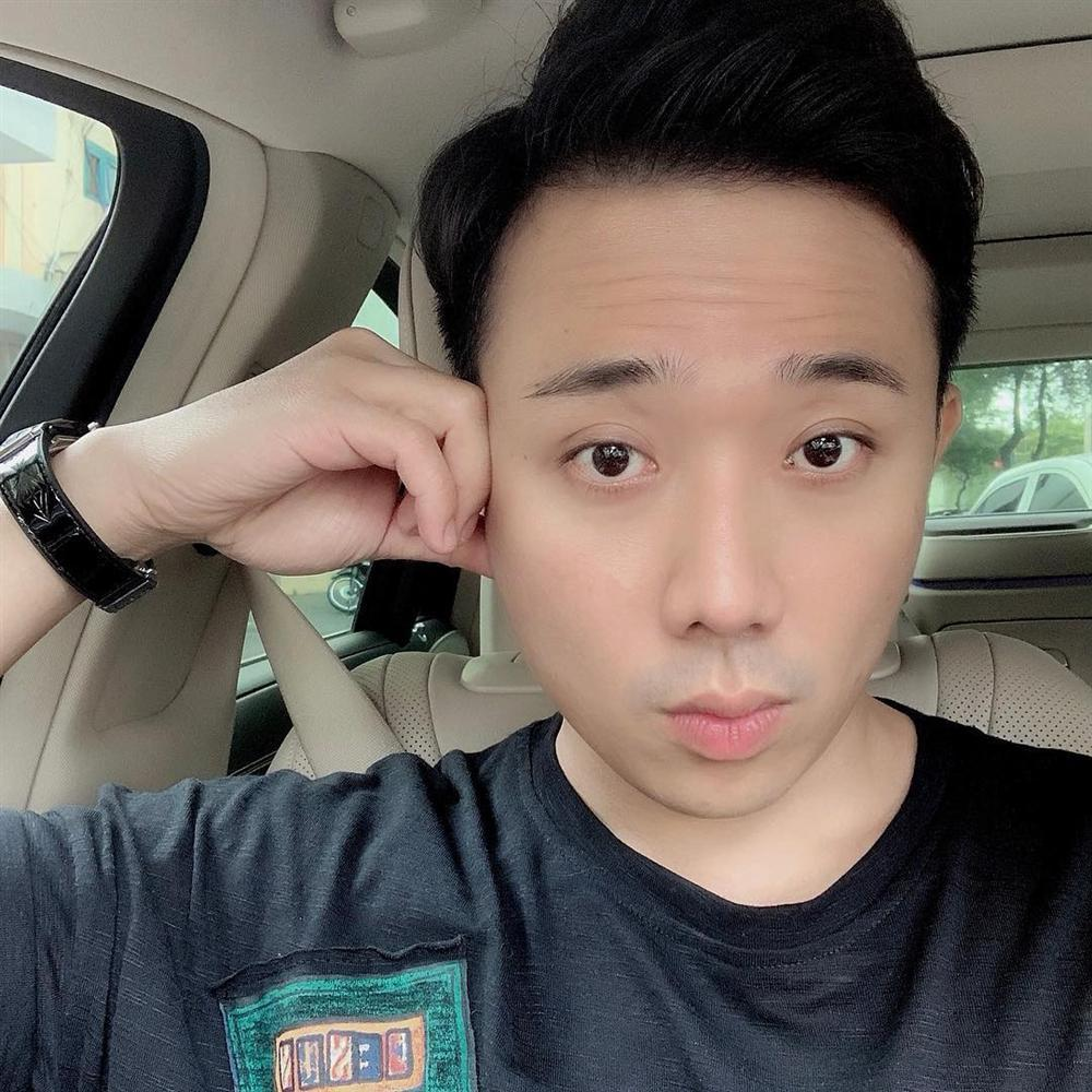 Hoa hậu Phạm Hương khoe khoảnh khắc tắm bồn sexy đến nghẹt thở-9