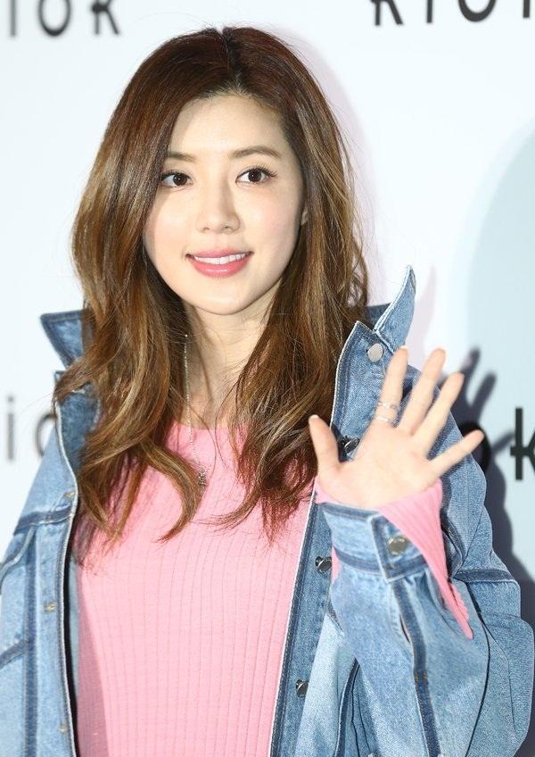 Vướng vào bê bối của chồng và Seungri, Park Han Byul bị cảnh sát triệu tập để thẩm vấn-1